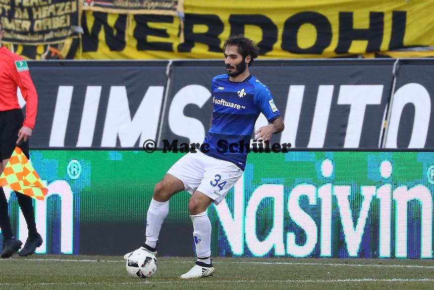 Hamit Altintop (SV Darmstadt 98)- 11.02.2017: SV Darmstadt 98 vs. Borussia Dortmund, Johnny Heimes Stadion am Boellenfalltor