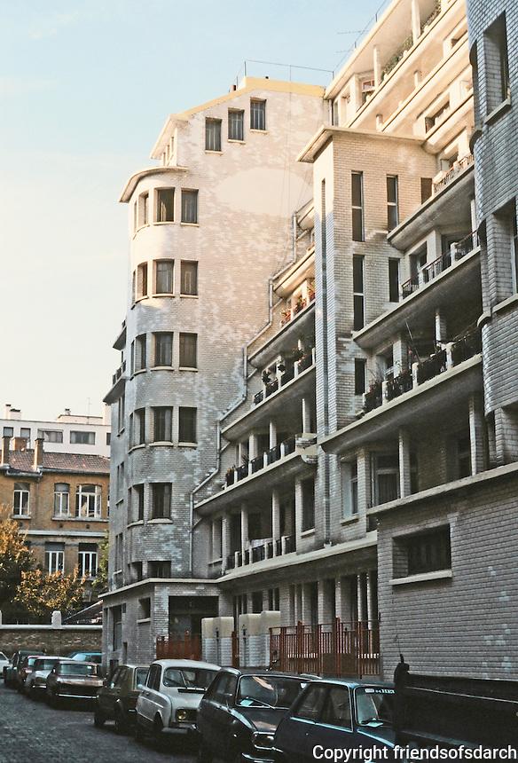 Henri Sauvage: Rue Herman--La Chapelle, Paris 1923-25. Photo '90.