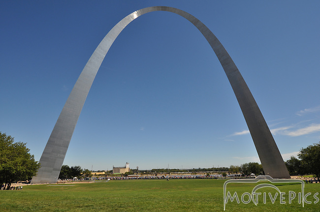 St. Louis Arch Buy Prints at www.motivepics.com