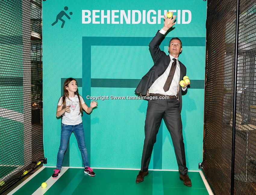 Amsterdam, Netherlands, Januari 10, 2017, Pressconference ABNAMROWTT 2018, Richard Kraijeck playing with ballkids prior to conference.<br /> Photo: Tennisimages/Henk Koster