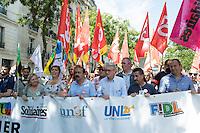 Paris (75) - Manifestations contre la loi Travail. Le cortège placé sous haute surveillance policière est composé de 60.000 manifestants, selon les syndicats, 20.000 selon la police. Départ place de la Bastille, pour un parcours restreint de 1,6 km autour du bassin de l'Arsenal. Philippe Martinez; CGT et Jean-Claude Mailly FO