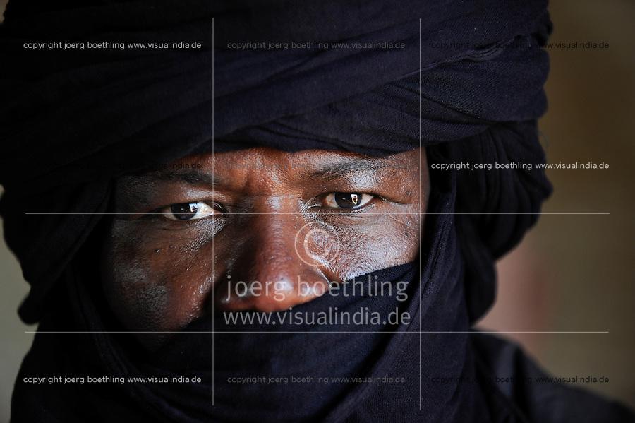 BURKINA FASO Dori , malische Fluechtlinge, vorwiegend Tuaregs, im Fluechtlingslager Goudebo des UN Hilfswerks UNHCR, sie sind vor dem Krieg und islamistischem Terror aus ihrer Heimat in Nordmali geflohen /<br /> BURKINA FASO Dori, malian refugees, mostly Touaregs, in refugee camp Goudebo of UNHCR, they fled due to war and islamist terror in Northern Mali