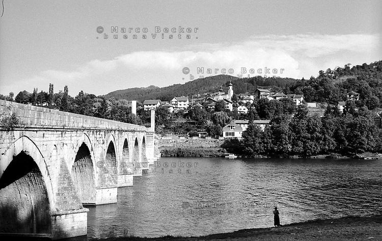 Višegrad, il ponte sulla Drina Mehmed Paša Sokolović, di epoca ottomana --- Višegrad, the Ottoman - era bridge Mehmed Paša Sokolović over the Drina