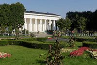 Theseus-Tempel im Volksgarten in Wien, Österreich, UNESCO-Weltkulturerbe<br /> Theseus-temple in the Volksgarten, Vienna, Austria, world heritage