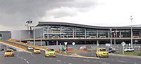 BOGOTA -COLOMBIA- 24-10--2013. Fachada aeropuerto Eldorado vuelos nacionales / Facade Eldorado airport domestic flights .Photo: VizzorImage / Felipe Caicedol / Staff