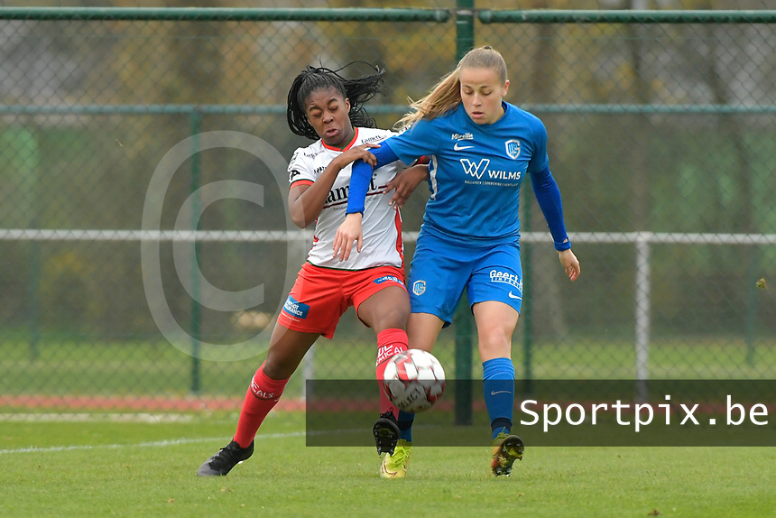 Zulte Waregem's forward Esther Buabadi (L) and Genk's forward Britt Labro (R)  pictured during a female soccer game between SV Zulte - Waregem and KRC Genk on the 8 th matchday of the 2020 - 2021 season of Belgian Scooore Women s SuperLeague , saturday 21 th of November 2020  in Zulte , Belgium . PHOTO SPORTPIX.BE | SPP | DIRK VUYLSTEKE