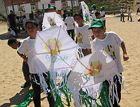 """Palestinian children Belabon paper airplanes in the summer camp organized by the Hamas movement in Gaza and the camp name of freedom of the Palestinian prisoners in Israeli jails, July 11, 2007 .""""photo by Fady Adwan"""