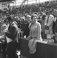Le maire Jean Drapeau et son épouse au Match des Expos, le 14 avril 1969, <br /> au Parc Jarry