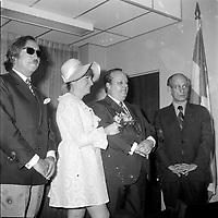 Pierre Peladeau, Le chef du Parti Quebecois Rene Levesque et son frere lors d'un mariage.<br /> <br /> (date inconnue, avant 1984)<br /> <br /> Photo : Agence Quebec Presse - Roland Lachance