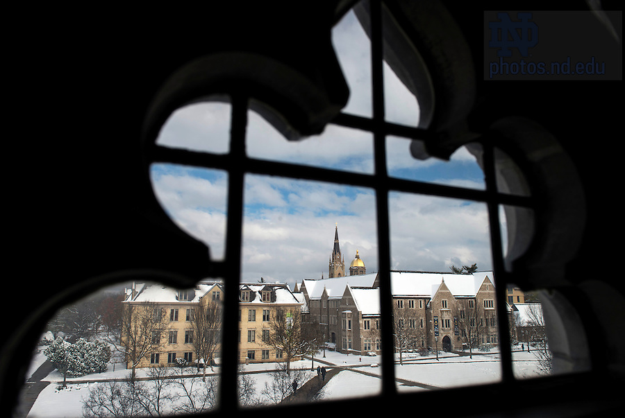 Nov. 13, 2014; Campus blanketed in snow after a morning shower. (Photo by Barbara Johnston/University of Notre Dame)