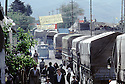 Irak 1992.Arrivée des camions du HCR/Care à Halabja .Iraq 1992.Trucks of HCR/Care entering Halabja