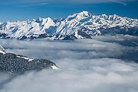 Europe/France/Rhone-Alpes/73/Savoie/Env de Sallanches: Le Mont Blanc et la vallée de Sallanches - Vue aérienne