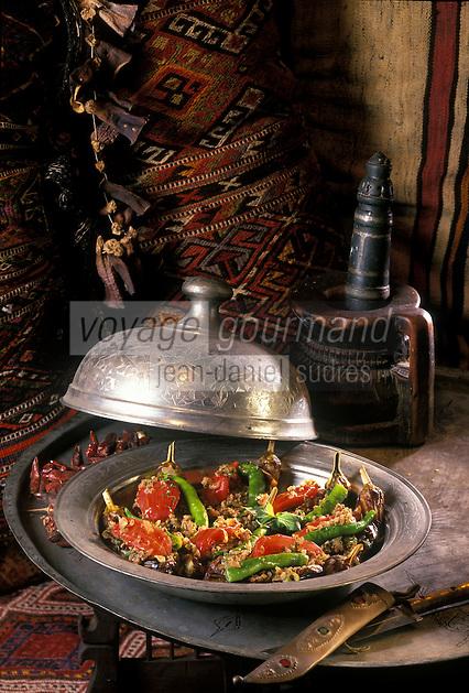 Europe/Turquie/Antalya : Aubergines farcies faisant partie des dolmas mets farcis au riz ou à la viande