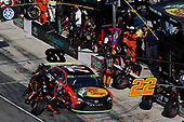 Monster Energy NASCAR Cup Series<br /> AAA Texas 500<br /> Texas Motor Speedway<br /> Fort Worth, TX USA<br /> Sunday 5 November 2017<br /> Martin Truex Jr, Furniture Row Racing, Bass Pro Shops / Tracker Boats Toyota Camry, pit stop<br /> World Copyright: Michael L. Levitt<br /> LAT Images