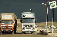 - TIR trucks on the road Van - Baskale (south-oriental Turkey, Turkish Kurdistan), international freeway for Iran and Iraq ....- autocarri TIR sulla strada Van - Baskale (Turchia sud-orientale, Kurdistan turco), autostrada internazionale per Iran e Iraq