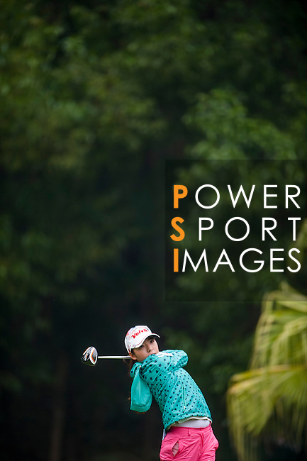 Mi Hyang Lee of Korea in action during the Hyundai China Ladies Open 2014 on December 12 2014, in Shenzhen, China. Photo by Xaume Olleros / Power Sport Images