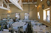 Europe/France/73/Savoie/Val d Isere: au sommet du telecabine de la Daille 2290 chalet d altitude la Folie Douce & La Fruitiere restaurant établissement de Luc Reversade-détail salle du restaurant La Fruitière