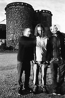 Morkobot, gruppo musicale noise rock sperimentale della provincia di Lodi, fotografati davanti ai silos della cascina dove di notte effettuano le prove --- Morkobot, band of experimental noise rock music of the province of Lodi, photographed in front of the silos of the farmhouse where they rehearse at night