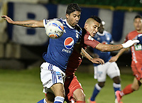 TUNJA -COLOMBIA, 29-07-2018. Jerson Malagon (Der) jugador de Patriotas Boyacá disputa el balón con Cristian Marrugo (Izq) jugador de Millonarios durante partido por la fecha 2 de la Liga Águila II 2018 realizado en el estadio La Independencia en Tunja. / Jerson Malagon (R) player of Patriotas Boyaca fights for the ball with Cristian Marrugo (L) player of Millonarios during match for the date 2 of Aguila League II 2018 at La Independencia stadium in Tunja. Photo: VizzorImage/ Gabriel Aponte / Staff
