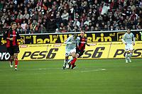 Zweikampf zwischen Mohamed Zidan (FSV Mainz 05) und Christof Preufl (EIntracht Frankfurt)