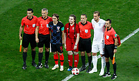 MOSCU - RUSIA, 11-07-2018: Jugadores de Croacia e Inglaterra durante los actos protocolarios previo al partido de Semifinales entre Croacia y Inglaterra por la Copa Mundial de la FIFA Rusia 2018 jugado en el estadio Luzhnikí en Moscú, Rusia. / Players of Croatia and England during the formal events prior the match between Croatia and England of Semi-finals for the FIFA World Cup Russia 2018 played at Luzhniki Stadium in Moscow, Russia. Photo: VizzorImage / Julian Medina / Cont