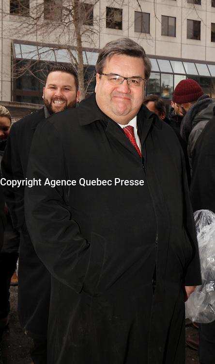 """Denis Coderre arrive aux funerailles du Pere Emmett Johns, """"Pops"""", celebres par l'Archevque de Montreal Christian Lepine, le 27 Janvier 2018 a la Basilique Saint-Patrick. <br /> <br /> PHOTO :  Agence Quebec Presse"""