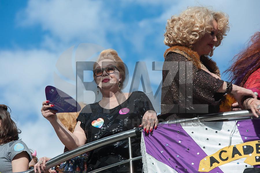 SÃO PAULO,SP, 18.06.2017 - PARADA-SP - A travesti Rogéria,  durante a 21º Parada do orgulho LGBT na avenida Paulista em São Paulo neste domingo, 18. (Foto: Rogério Gomes/Brazil Photo Press)