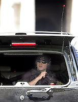 Un agente statunitense della sicurezza del Presidente degli Stati Uniti George W. Bush in una delle auto del corteo presidenziale all'ingresso in Piazza san Pietro, Vaticano, 13 giugno 2008 per l'incontro del presidente con il Papa..An U.S. security agent is seen in one of the cars of the presidential procession at its entrance in st. Peter's square, Vatican, 13 june 2008, for the meeting of the President George W. Bush  with the Pope..UPDATE IMAGES PRESS/Riccardo De Luca.