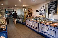 Europe/France/Bretagne/29/Finistère/ Concarneau: Boutique de Georges Larnicol ,pâtissier , Meilleur ouvrier de France- Vente de Kouignettes