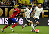 HOUSTON - UNITED STATES, 11-06-2016: James Rodriguez (Der) jugador de Colombia (COL) disputa el balón con Celso Borges (Izq) jugador de Costa Rica (CRC) durante partido del grupo A fecha 3 por la Copa América Centenario USA 2016 jugado en el estadio NRG en Houston, Texas, USA. /  David Ospina (R) player of Colombia (COL) fights the ball with Celso Borges (R) player of Costa Rica (CRC) during match of the group A date 3 for the Copa América Centenario USA 2016 played at NRG stadium in Houston, Texas ,USA. Photo: VizzorImage/ Luis Alvarez /Str