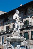 Piazza delle Erbe, Verona, Venetien, Italien, Unesco-Weltkulturerbe