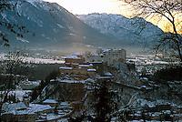 Blick vom Kaputinerberg auf Festung  in  Salzburg, Österreich