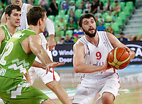 """Stefan Markovic of Serbia (R) in action during European basketball championship """"Eurobasket 2013"""" classification basketball game from 5th to 8th place between Serbia and Slovenia in Stozice Arena in Ljubljana, Slovenia, on September 19. 2013. (credit: Pedja Milosavljevic  / thepedja@gmail.com / +381641260959)"""