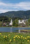 Oesterreich, Salzburger Land, Goldegg im Pongau: mit Badesee und Schloss Goldegg   Austria, Salzburger Land, Goldegg im Pongau: with lake and Castle Goldegg