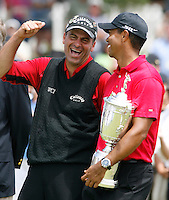 Z.USopen.2.0616.jl.jpg/'photo Jamie Scott Lytle/Tioger Woods and Rocco Mediate joke at the awards ceromomy after Woods beats mediate in a sudden-death play-off a at Torrey Pines.