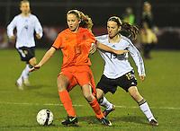 U17  Netherlands - U17 Germany : Michaela Brandenburg in duel met Lisanne Van Gurp (links).foto DAVID CATRY / Vrouwenteam.be