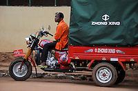 ANGOLA Waku Kungo, chinese transport three-wheeler Zhong Xing for hire / ANGOLA Waku Kungo, chinesisches Lastendreirad Zhong Xing als Transport-Taxi