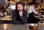 Milano,lo chef Carlo Cracco nella cucina del suo ristorante - Carlo Cracco, Italian chef in the kitchen of his restaurant