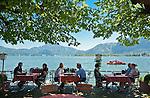 Austria, Upper Austria, Salzkammergut, Mondsee: place and lake of the same name, seaside cafe | Oesterreich, Oberoesterreich, Salzkammergut, Mondsee: Ort und gleichnamiger See im Salzkammergut, Cafe am See