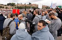 """Manifestazione """"Family Day"""" al Circo Massimo, in sostegno della famiglia tradizionale, contro la legge sulle unioni civili in discussione al Senato, Roma, 30 gennaio 2016.<br /> Friars attend the """"Family Day"""" rally at the Circus Maximus, in support of traditional family, against civil unions proposed law in discussion at the Italian Parliament, Rome, 30 January 2016.<br /> UPDATE IMAGES PRESS/Riccardo De Luca"""