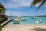 MUS, Mauritius, Grand Baie: Strand, Boote, Yacht | MUS, Mauritius, Grand Baie: beach, boats, yacht