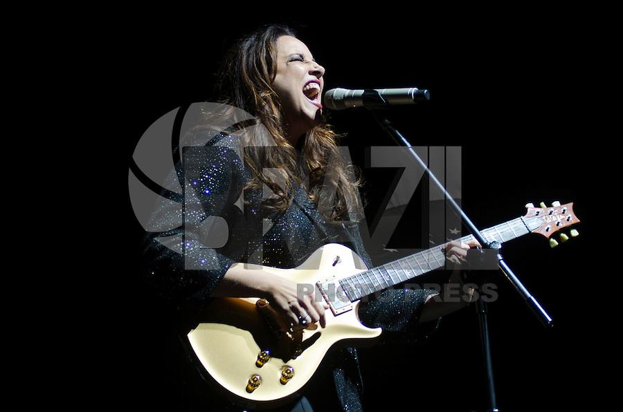 SAO PAULO, SP, 31.01.2014 - SHOW ANA CAROLINA: Cantora Ana Carolina durante show no Citibank Hall na noite desta sexta feira (31) em São Paulo. FOTO: LEVI BIANCO - BRAZIL PHOTO PRESS.