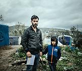 Saady Falah, Irak; mit drei Kindern und Frau im Camp. Am 1.2.2020 wurde sein viertes Kind im Camp geboren mit einem Herzfehler. Nach der Einlieferung in die Klinik haben sie den Kontakt verloren. Er glaubt, das Kind ist in einem Krankenhaus in Athen.
