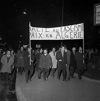 16 janvier 1962.manifestation anti OAS (Organisation de l'Armée Secrète) organisée par le font syndical commun à la suite d'une série d'attentats perpétrés à Toulouse dans la nuit du 15 au 16 janvier 1962.