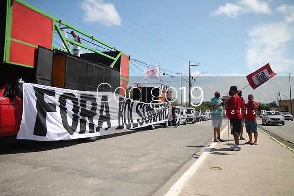 Recife (PE), 02/10/2021 - Protesto-Recife - Manisfestantes realizam neste sábado (02) o ato Fora Bolsonaro no centro de Recife na manhã deste sábado (02).