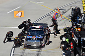 Todd Gilliland, Kyle Busch Motorsports, Toyota Tundra Mobil 1 , makes a pit stop.