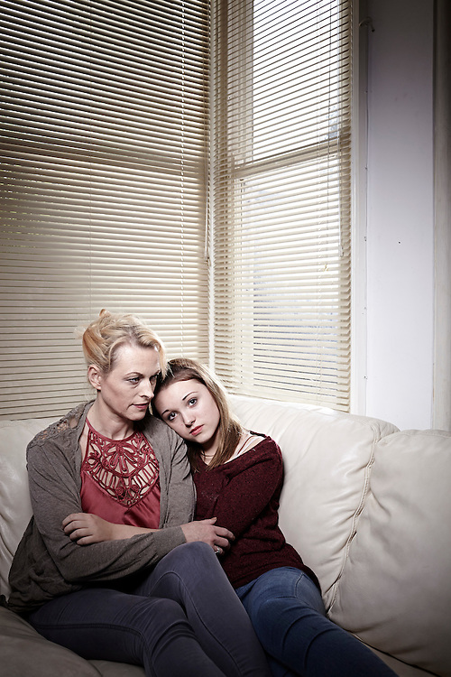 photo © John Angerson<br /> 140217 - Breast Cancer Campaign<br /> Nic & Elka Naish shot at their home in Worthing - West Sussex
