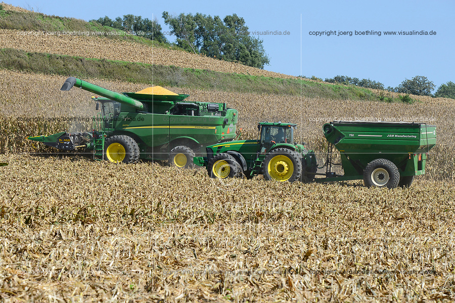 USA, Nebraska, Omaha Reservation, Omaha Nations Farm,  corn harvest with John Deere combine harvester