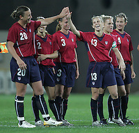 MAR 15, 2006: Faro, Portugal:  Abby Wambach, USWNT, Kristine Lilly