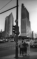 berlino, palazzi per uffici in potsdamer platz --- berlin, office buildings in potsdamer platz
